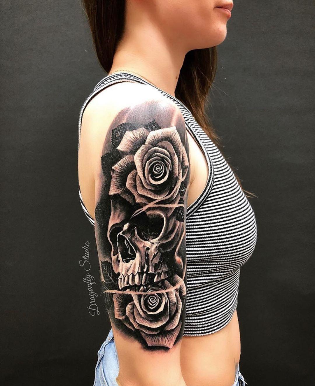 Black Roses On Skull Tattoo Skull Tattoo Tattoos Rose Tattoos
