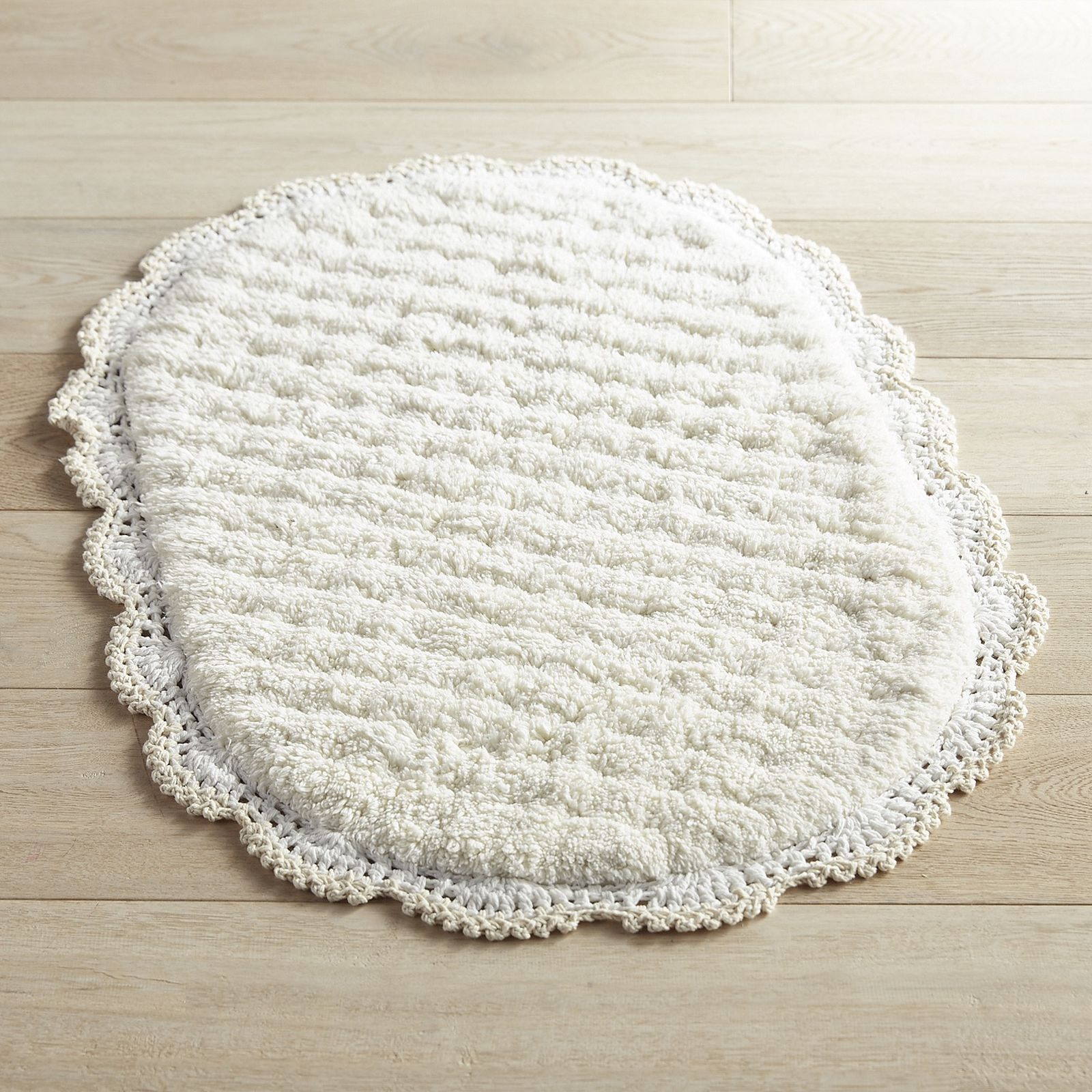 When It Comes To Comfort And Charm It S All In The Details Which Is Why Our Exclusive Bath Rug Features 100 Cotton Bath Mat Rug Rugs Colorful Bathroom Rugs