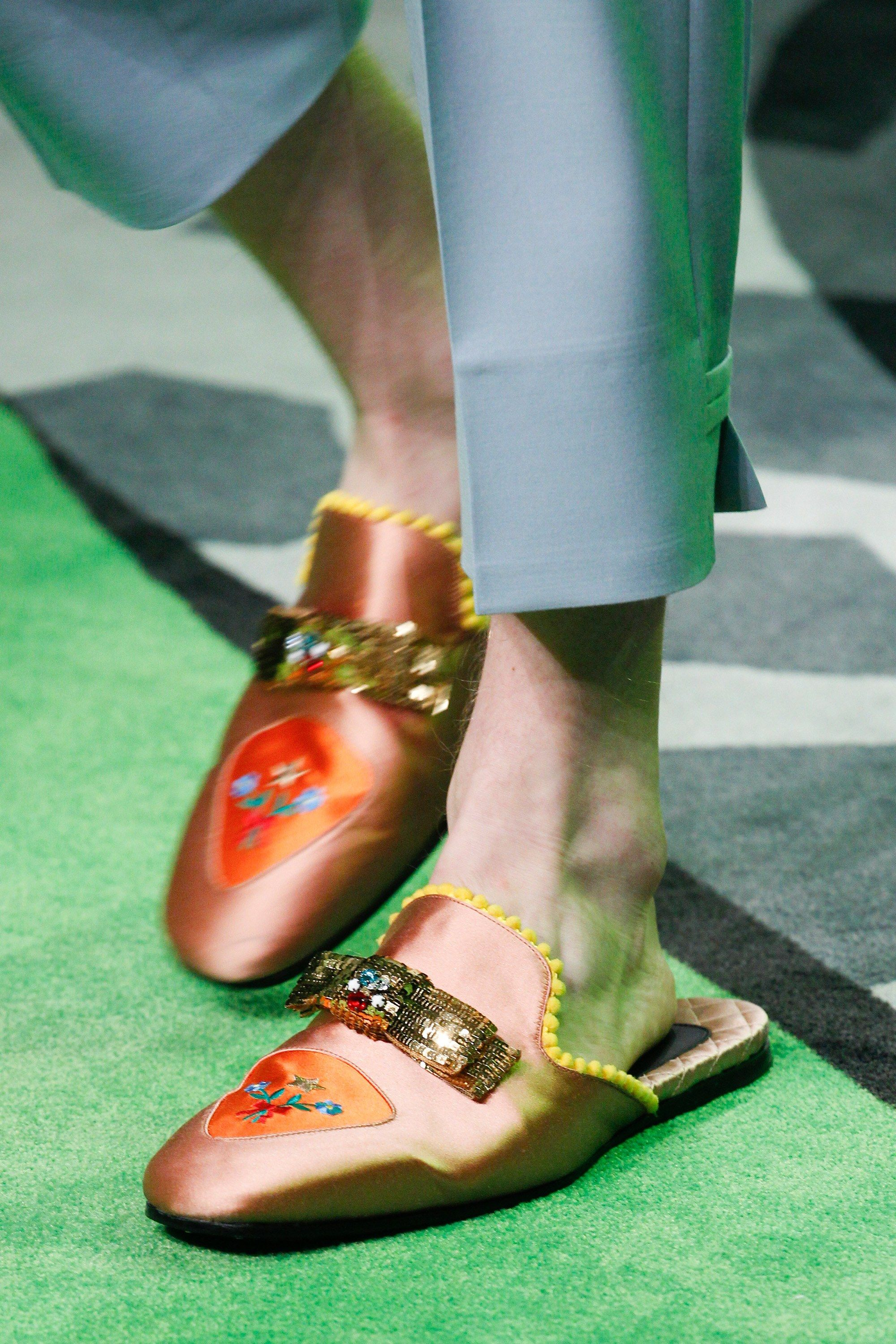 gucci 2017 shoes. gucci spring 2017 menswear fashion show details shoes