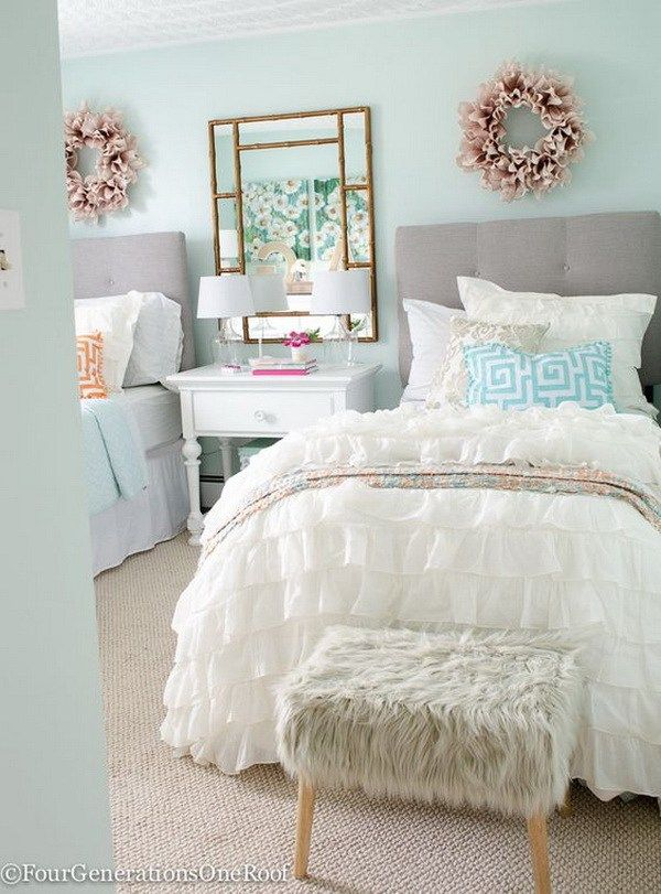 40 beautiful teenage girls 39 bedroom designs light green for Neutral palette bedroom