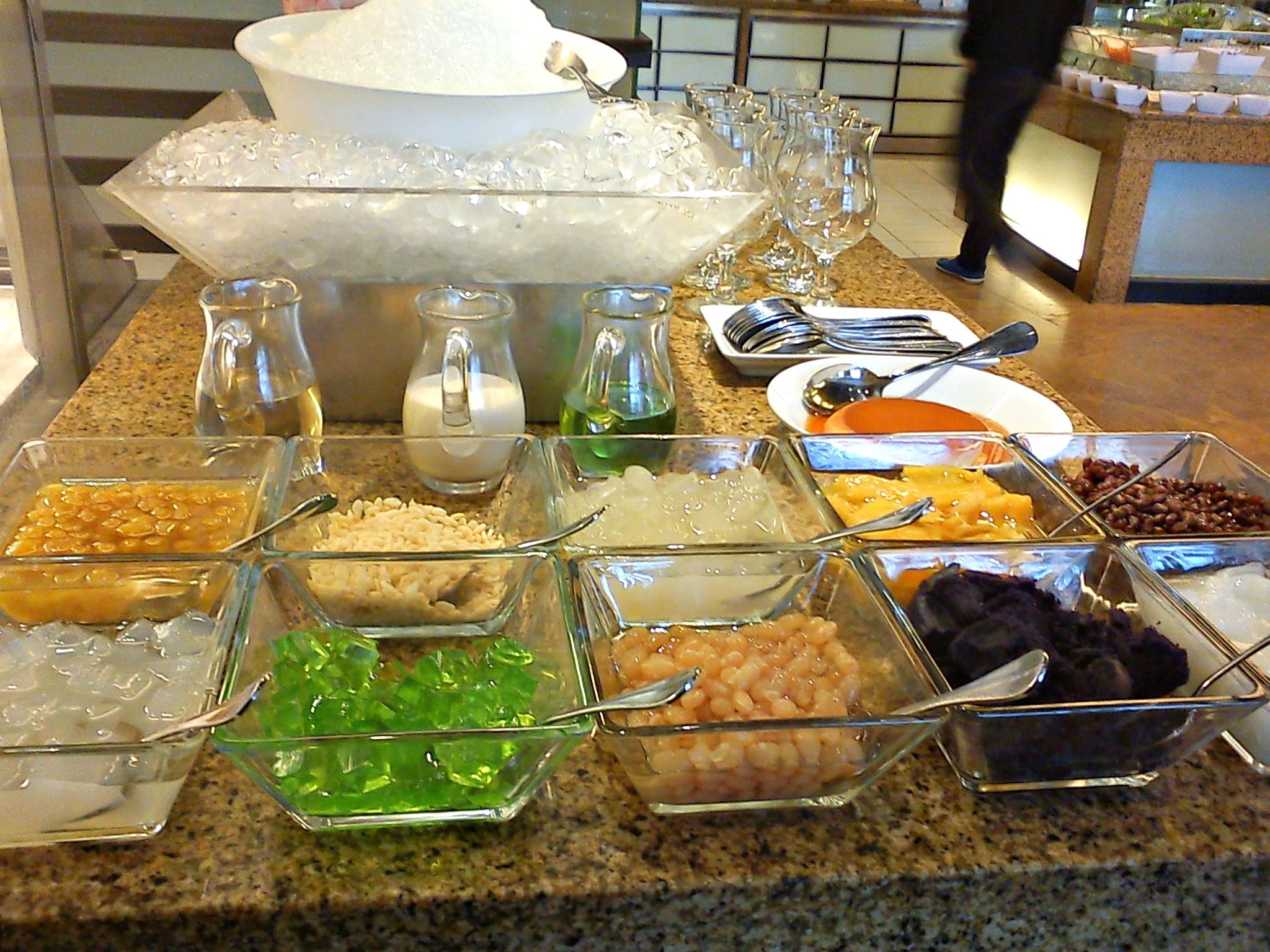 Filipino table setting - Would Love To Have A Halo Halo Dessert Bar Or Hawaiian Shaved Ice At The Reception