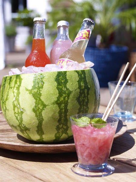 Wir feiern ein rauschendes sommerfest mit deko zum for Deko essen