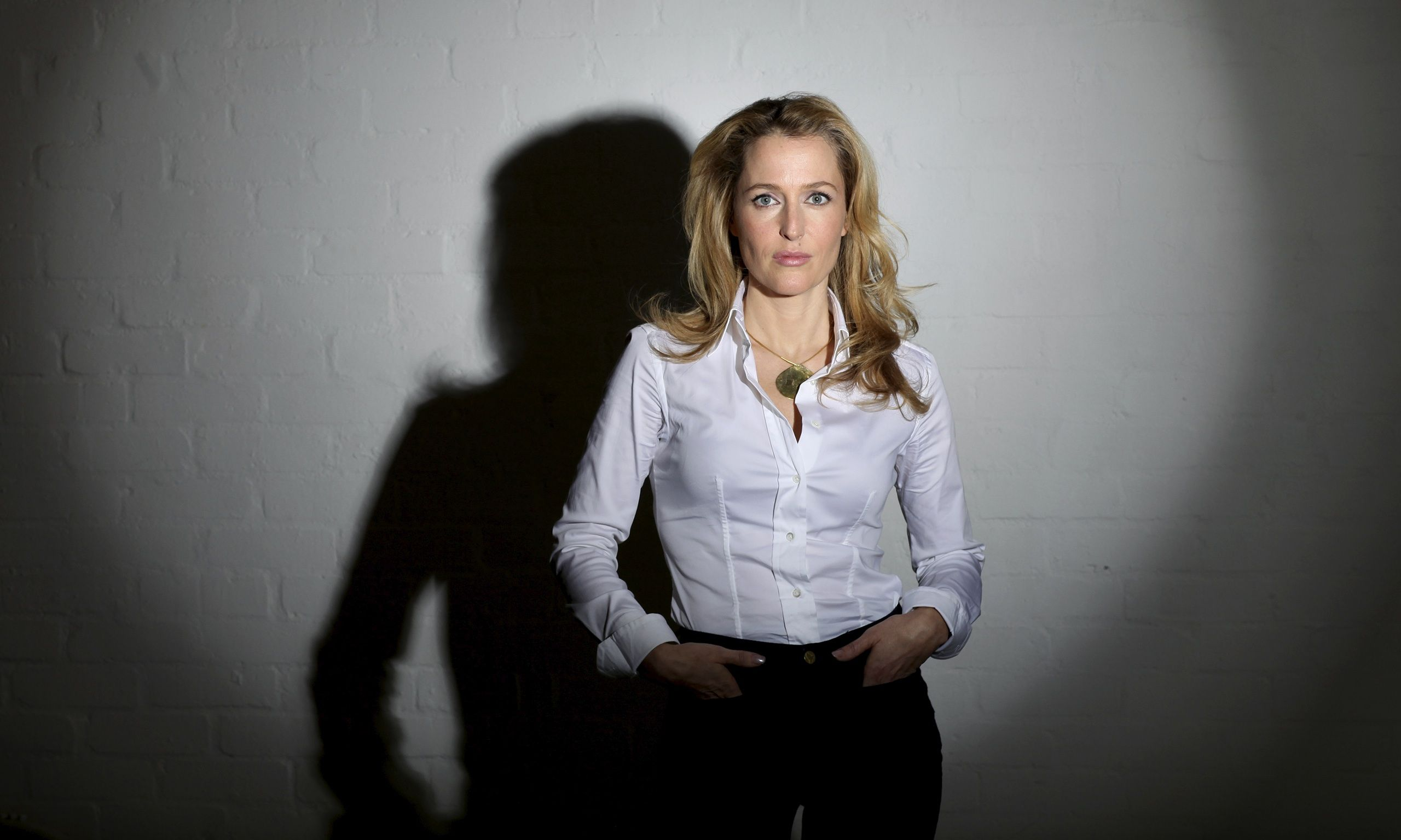 X-Files star Gillian Anderson to write science fiction novels