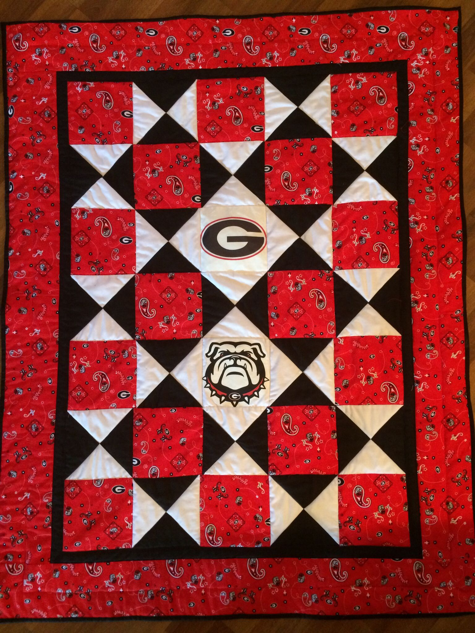 Georgia Bulldogs Quilt For The Grandbaby Football Quilt Sports Quilts Quilts