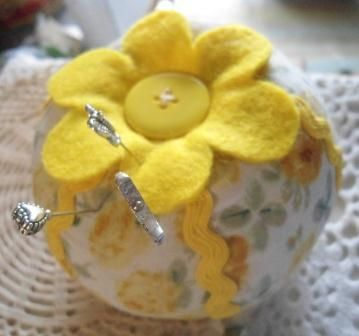 Yellow flower pincushion £6.25