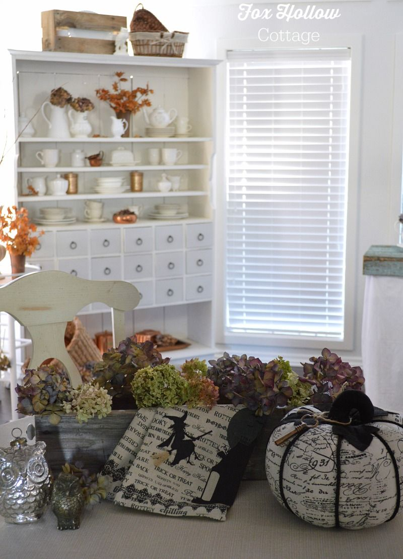 When Seasons Collide Chic halloween, Holidays halloween and - Decorating For Halloween