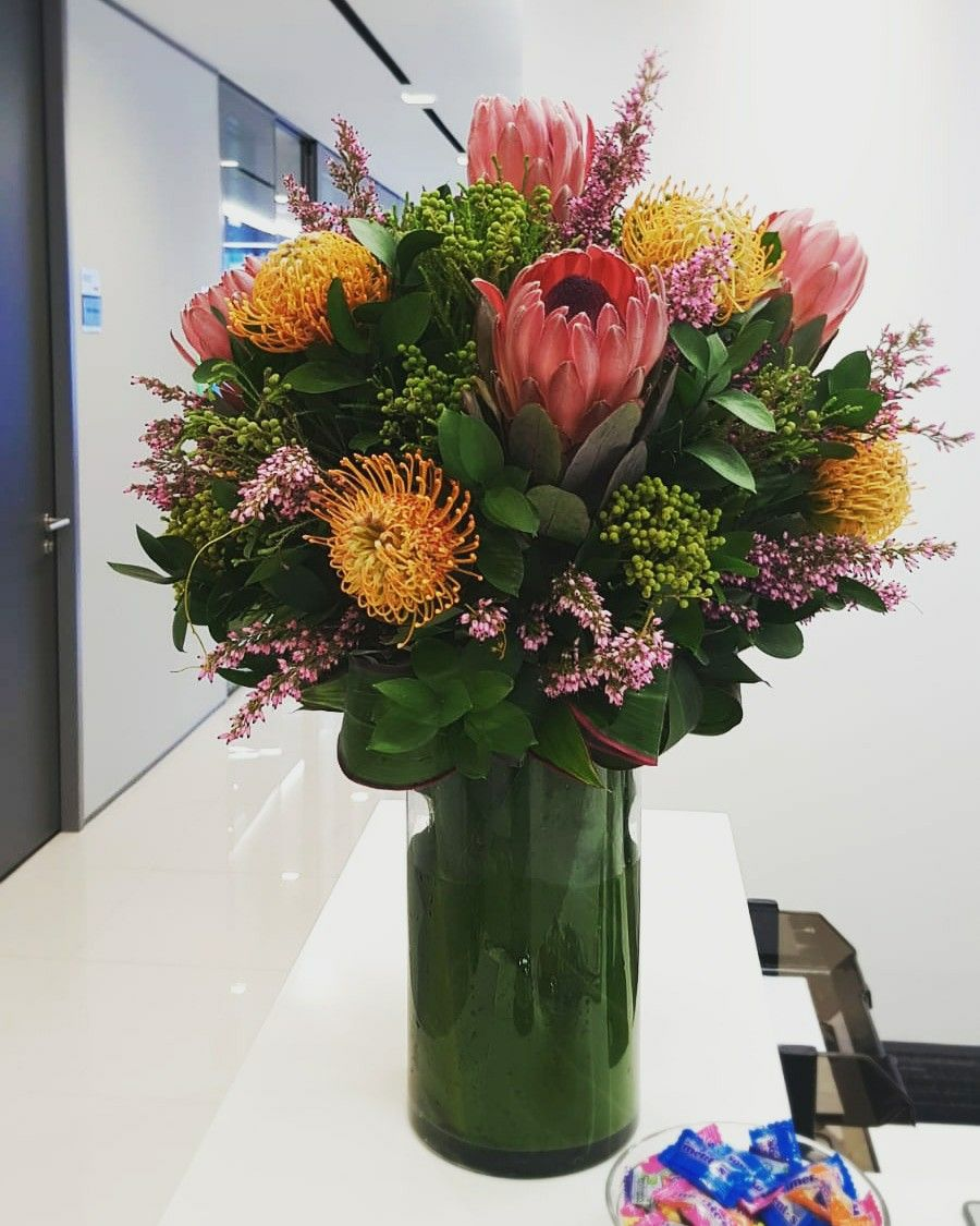 Create your very own bouquet or table arrangements with us