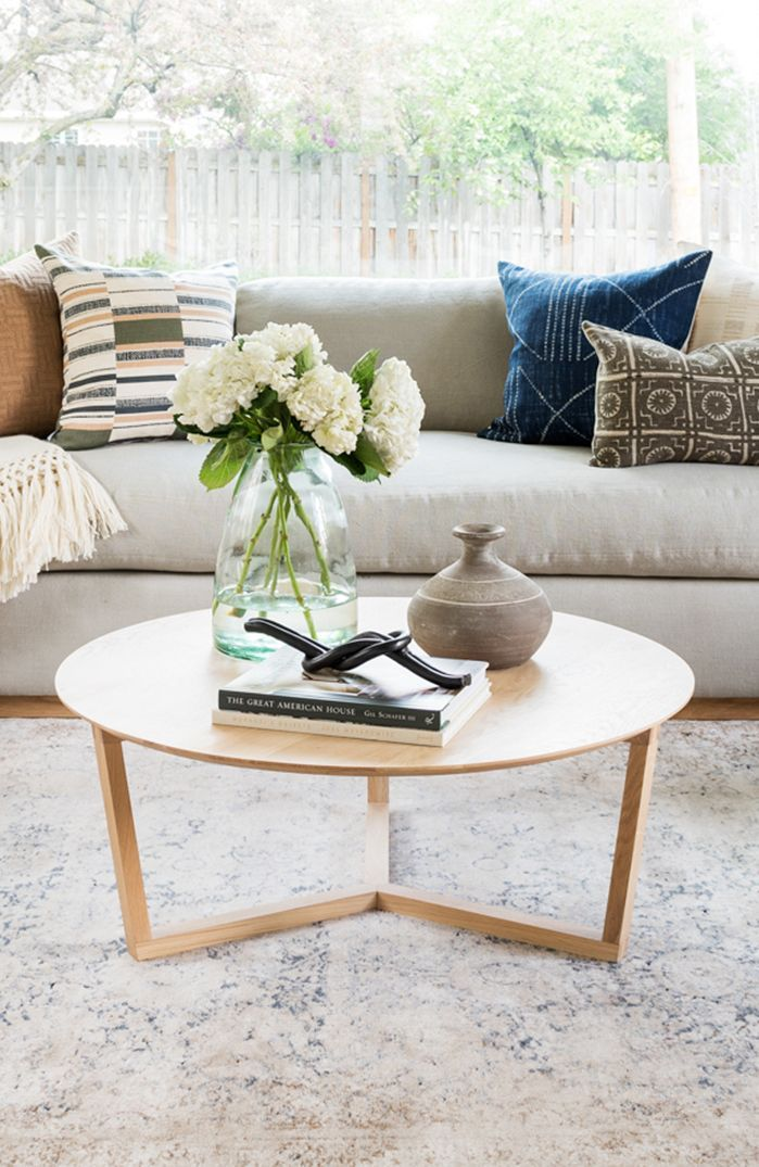 Hacks For Round Coffee Table Styling Round Coffee Tables Farmhouse Round Coffee Table Decor Round Coffee Table Living Room Table Decor Living Room