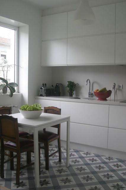 Urban Jungle Bloggers: Kitchen Greens by Blogdanelinha