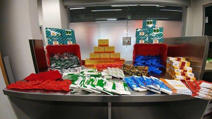 Medikamente (1); Foto Zoll Düsseldorf Über 5.000