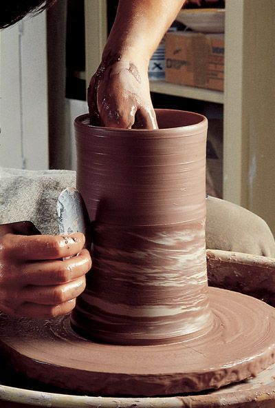 How to Make Agateware Pottery on the Wheel - Ceramic Arts Network