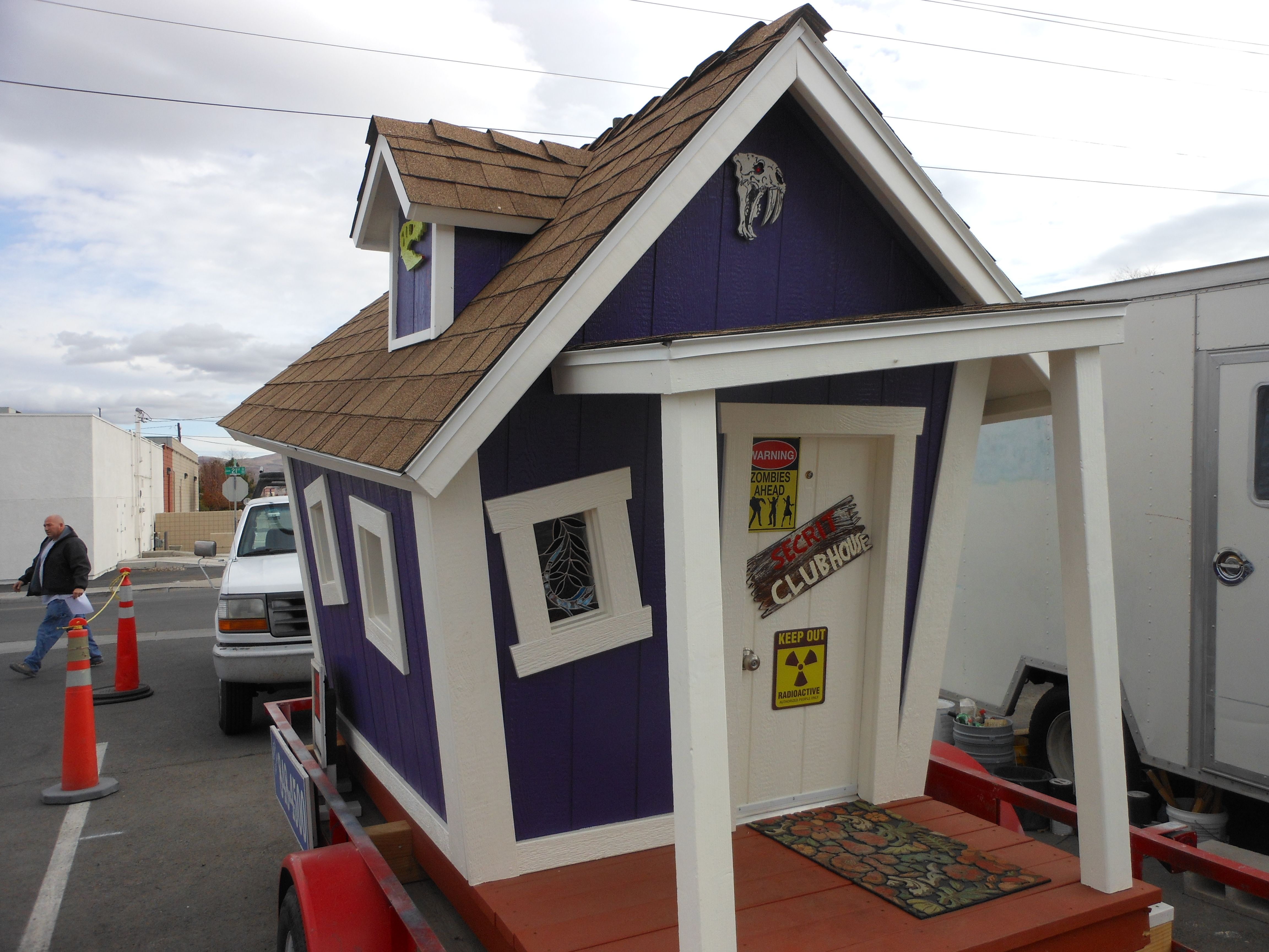 Playhouse I build .Has bunkbeds,electricity and air conditioning ...