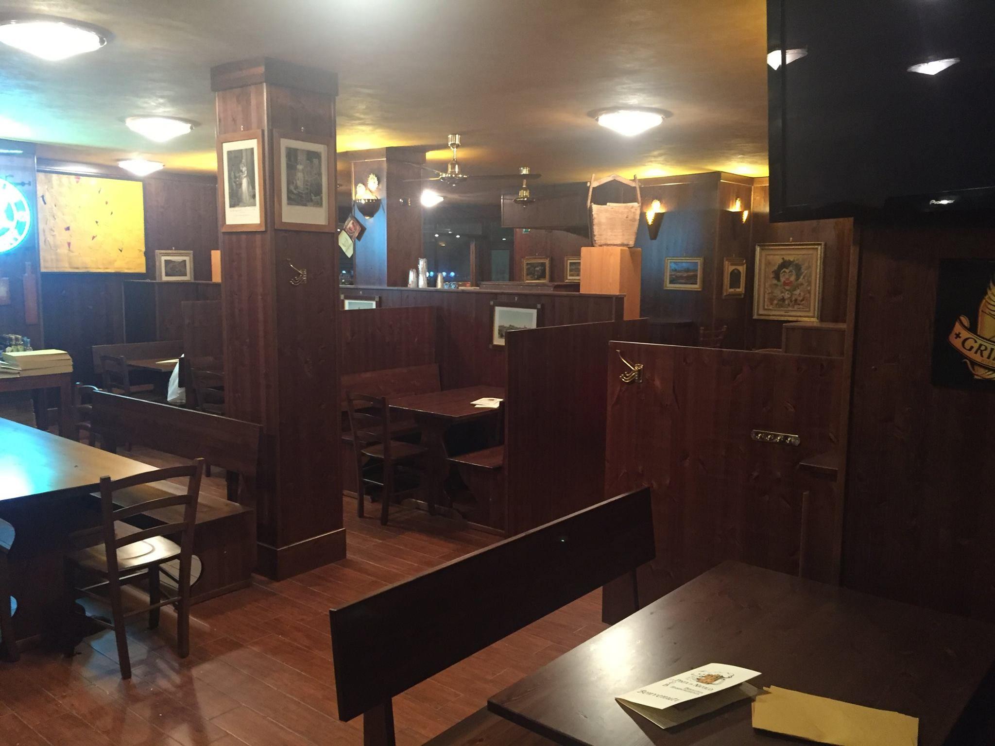 Arredamento Messicano ~ Arredo pub completi allestimenti pub con panche tavoli banconi
