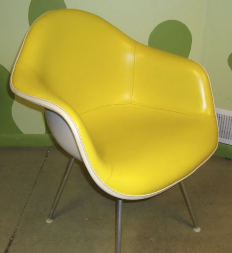 1970-039-s-Herman-Miller-Yellow-Naugahyde-Shell-Chair  Really nice chair to sit in!
