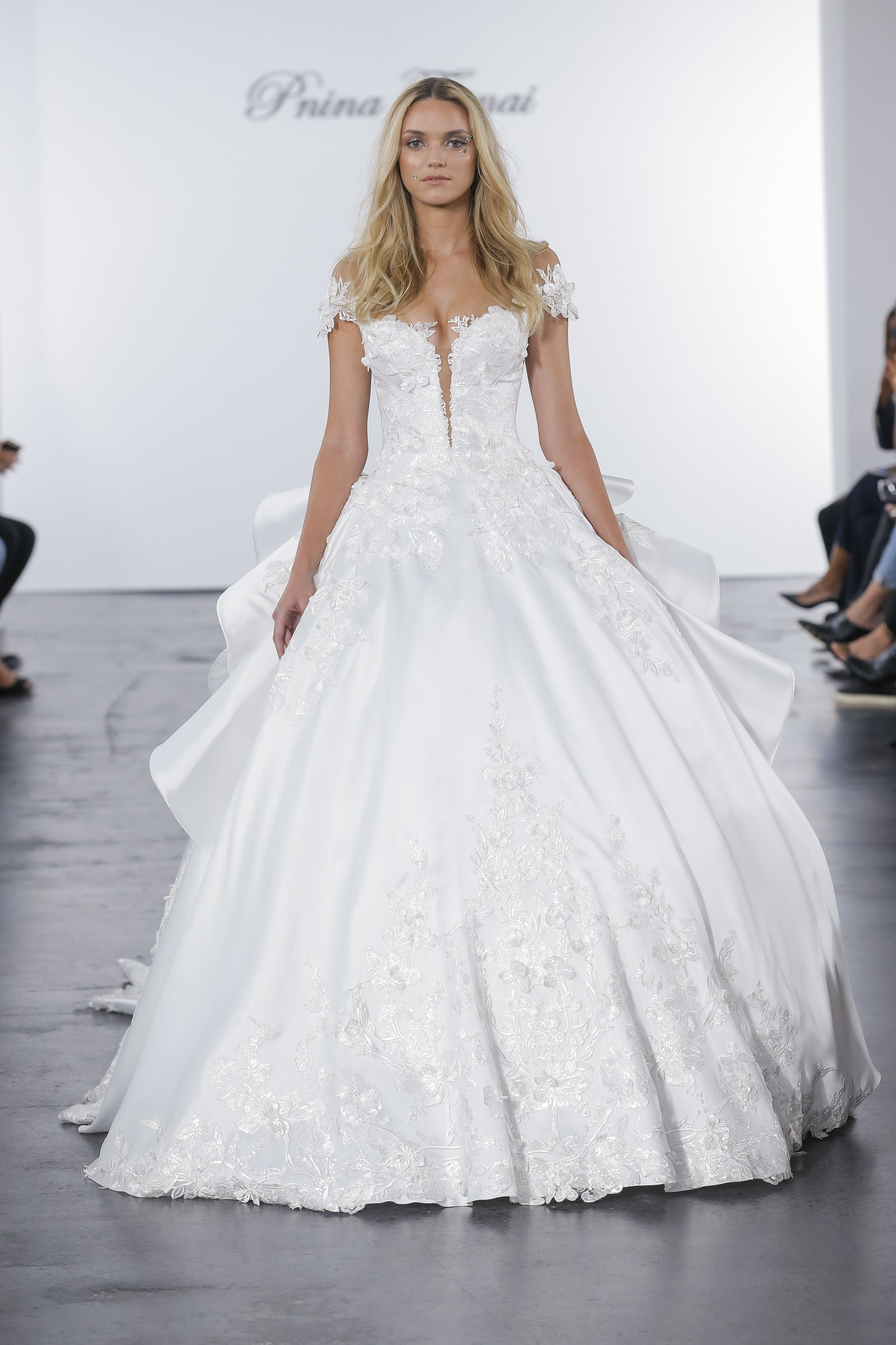 661999cb5a2bf Pnina Tornai for Kleinfeld Bridal & Wedding Dress Collection Fall 2018 |  Brides This skirt pattern, in more A-Line skirt, close up the top.