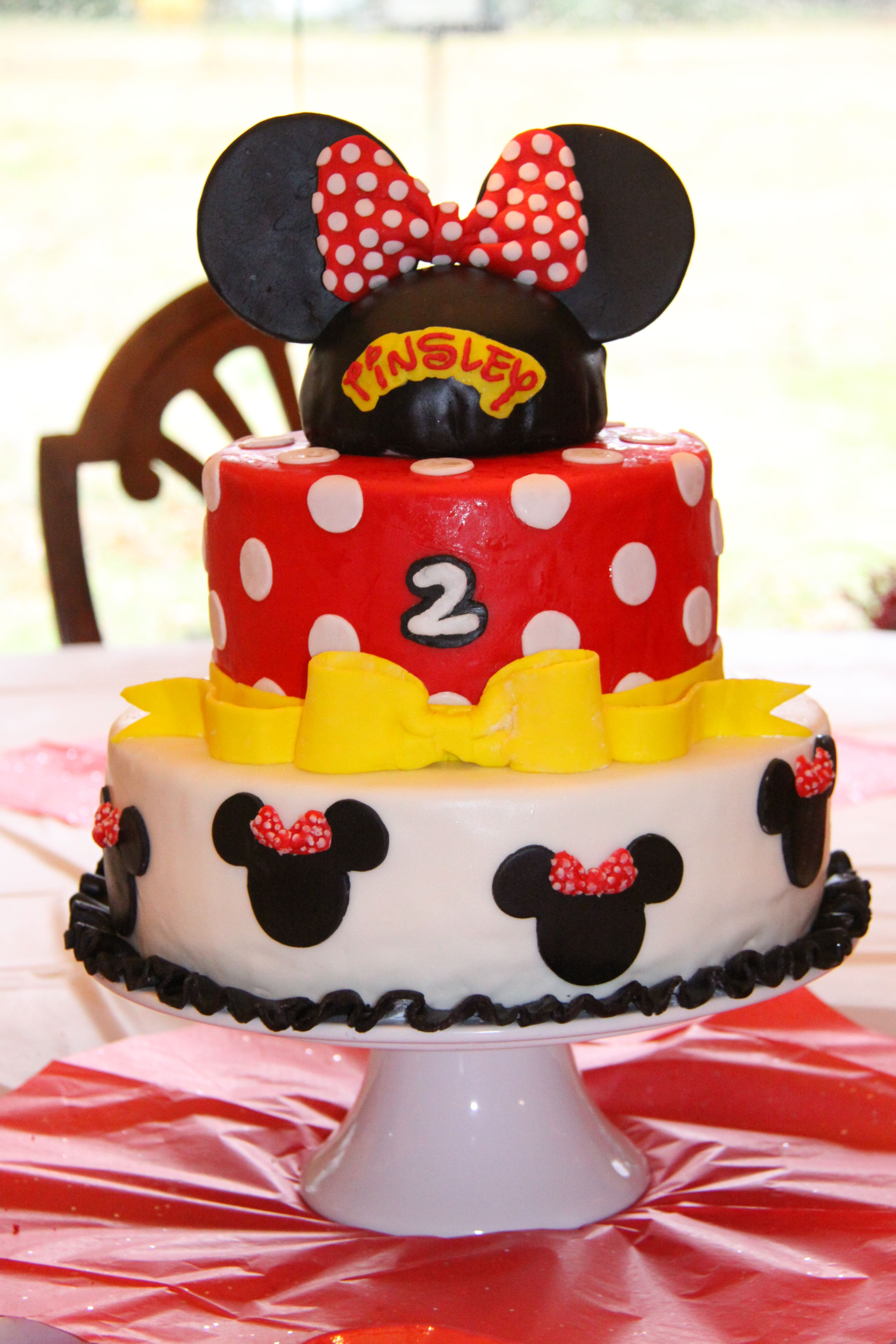 Tinsley's Minnie Mouse Birthday Cake 02/2013 - 12