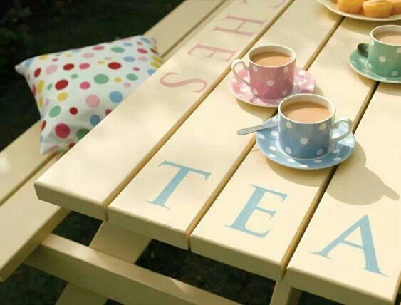 Picnic table tea time