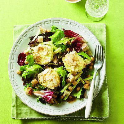 Baked goat cheese and apple salad - Chatelaine Recipes