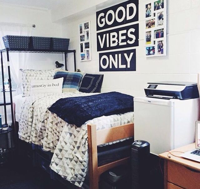 Pin By Lauren S On College Highschool Dorm Room Decor College Apartment Decor Dorm Room Organization