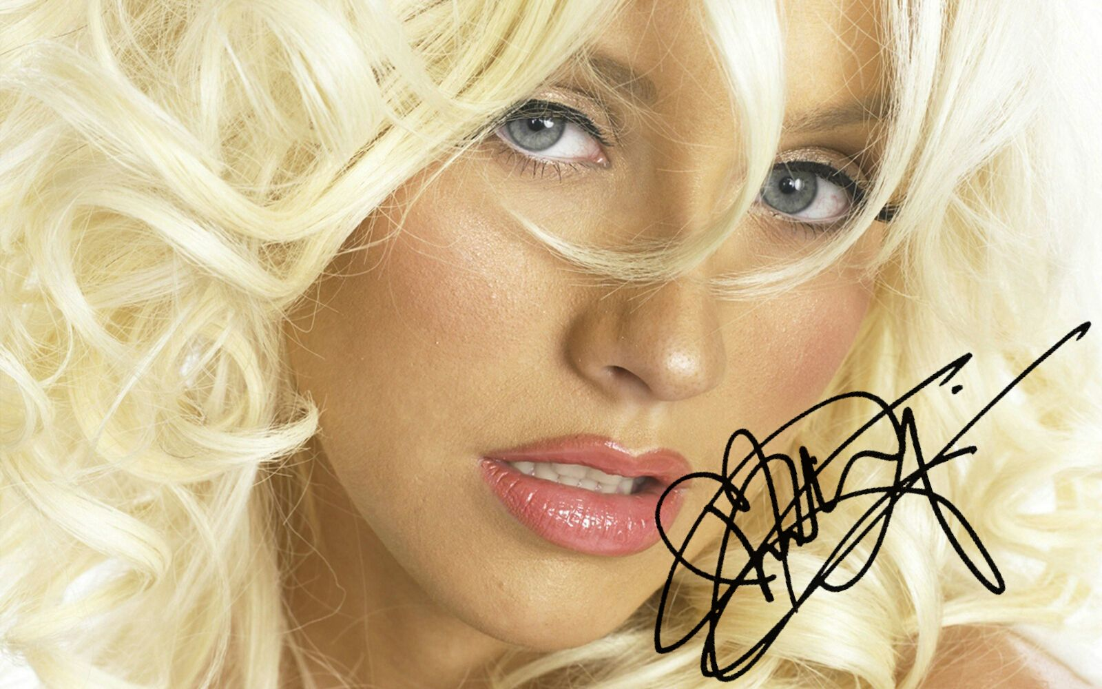 Christina Aguilera Personally Signed This Cool Picture Printed On High Quality Canvas Christina Aguile Christina Aguilera Christina Christina Maria Aguilera