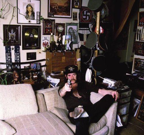 Lemmy S La Apartment