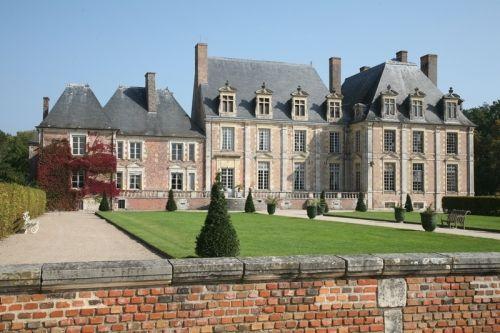 Chateau De La Ferte Saint Aubin French Chateau Chateau Castle