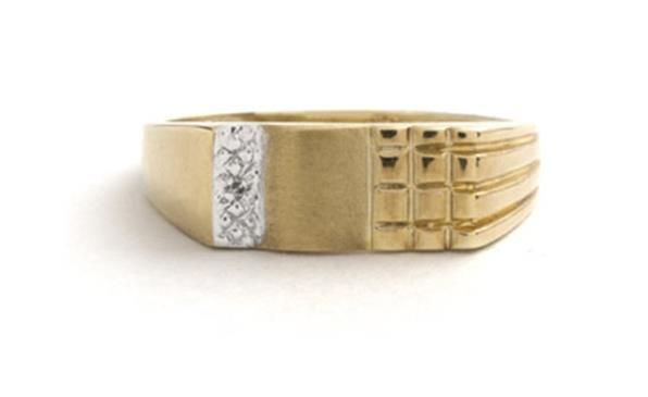 9ct Yellow Gold and Diamond Gents Ring httpwwwsternscoza