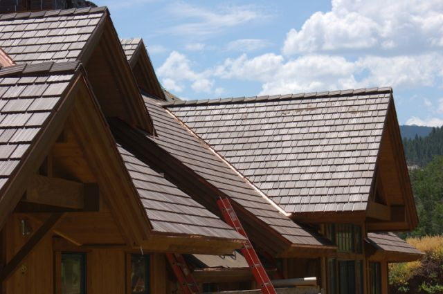 Plastic Roofing Materials Utilize Non Porous Polymers Davinci Roofscapes Roofing Plastic Roofing Roofing Systems