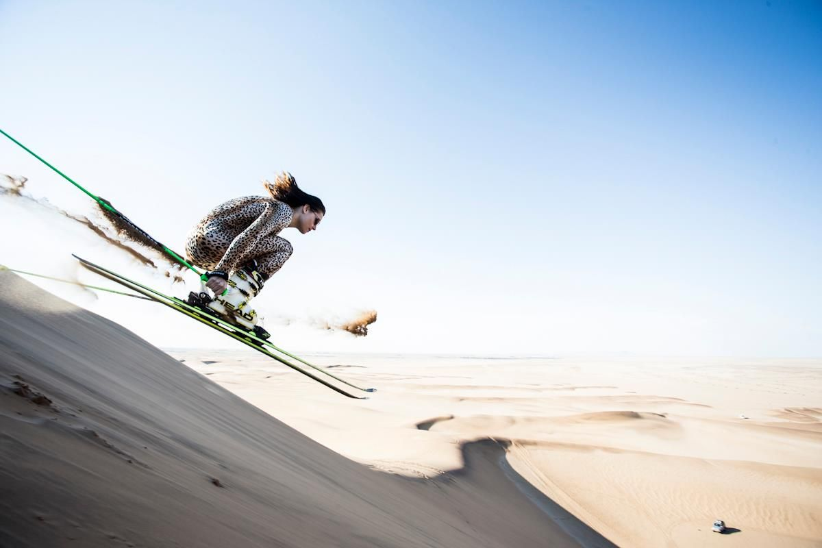 Sand Skiing: Esquí en las dunas de arena de Namibia | Lugares de Nieve
