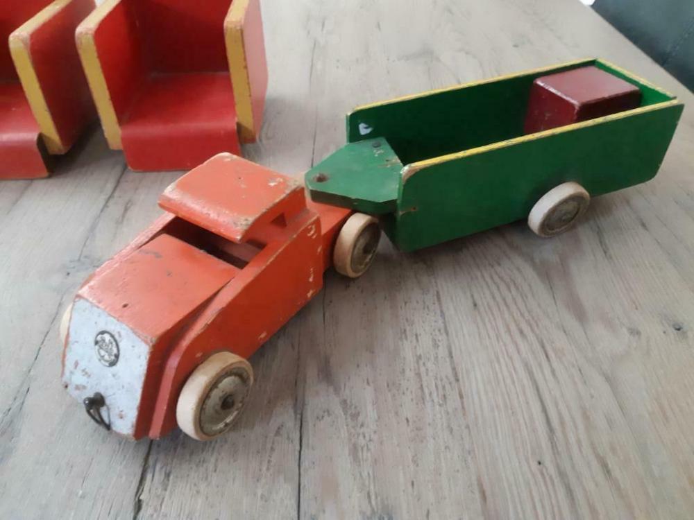 Antiek Ado Speelgoed Auto Aanhanger En 2 Stoelen Koo Veruu Antiek Speelgoed Marktplaats Nl Antiek Speelgoed Speelgoed Stoelen