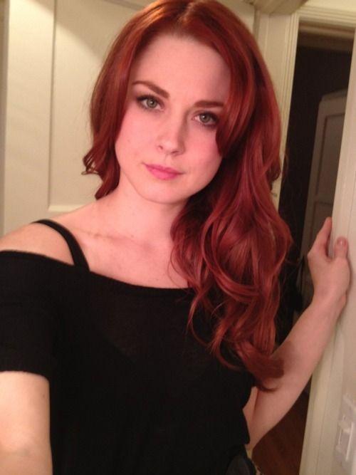Alexandra Breckenridge American Horror Story Beautiful Moira Red