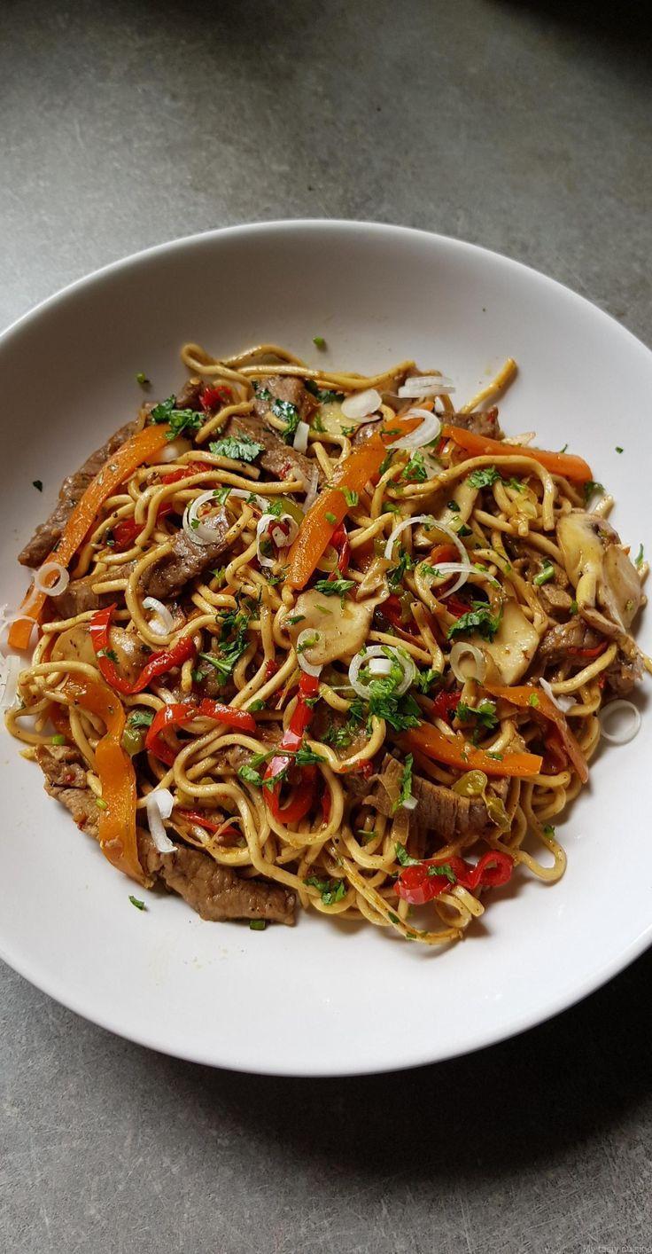 Chinesische Nudeln Mit Rindfleisch Und Gemuse Chinesische Gemuse Mit Nudeln Rindfleisch Cuisine Asiatique Recette De Nouille Recettes Nouilles Chinoises