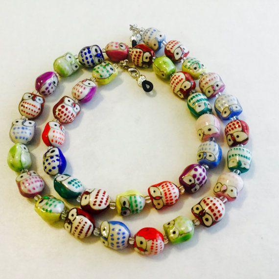 Hibou coloré perlé chaîne de lunettes avec 49 fil de perles de chapelet (le meilleur) Wireguards, séparer les anneaux et Fermoirs de homard.  Les