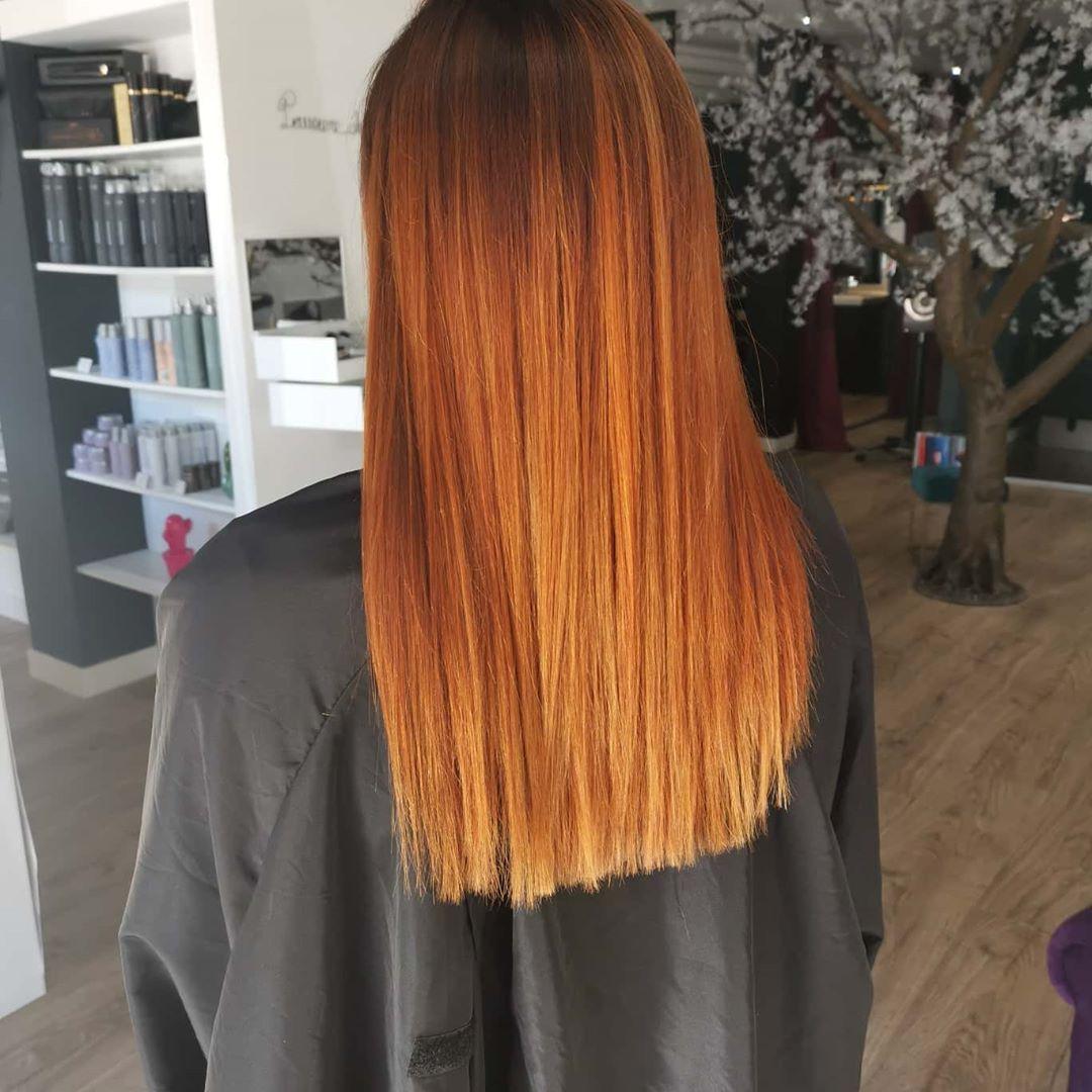 Melanie Machado Coiffure Make Up Coiffeur A Tarbes Coiffure Cheveux Mi Long Chignon