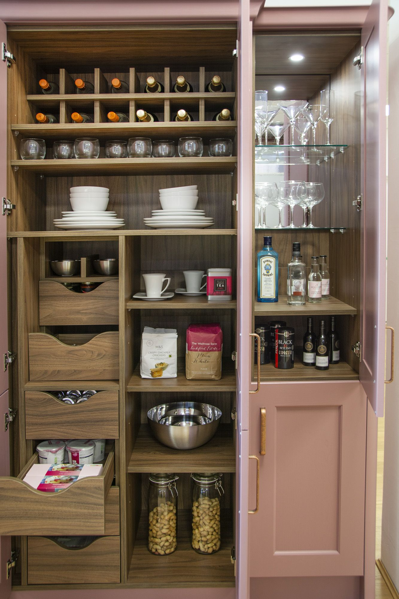 the masterclass kitchens range has plenty of innovative space saving rh pinterest com