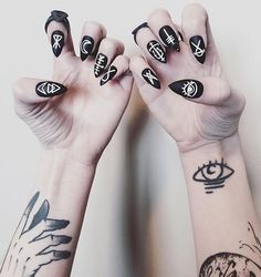 Satanic Matte Black nailz ✖️ @carriebou • • • • • • • • • SHOP EM HERE: http://www.goodbyebread.com/products/satanic-matte-black-nails