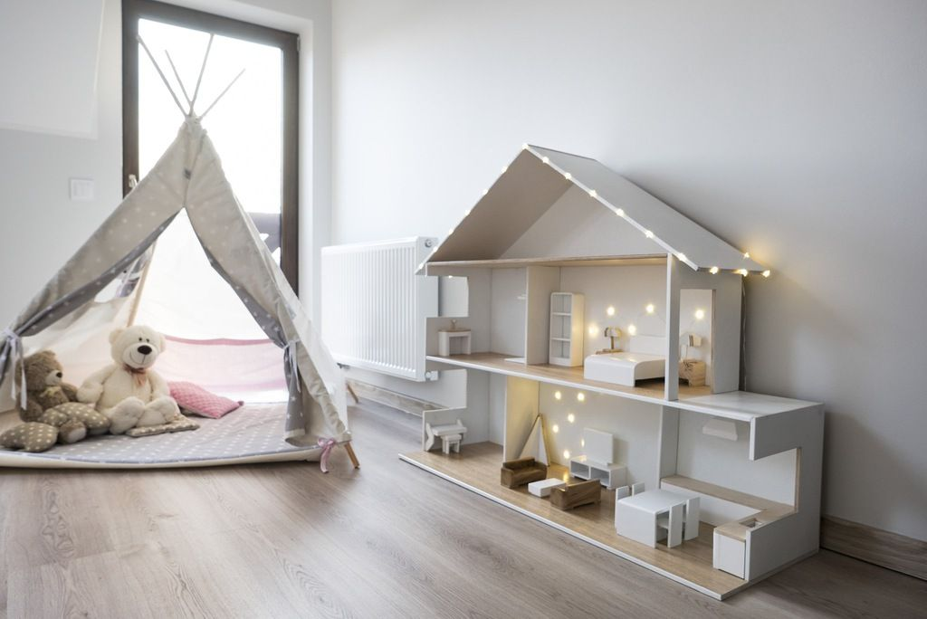 Drewniany Domek Dla Lalek Oswietlenie Mebelki 7088148612 Oficjalne Archiwum Allegro Doll House Plans House Rooms Barbie House