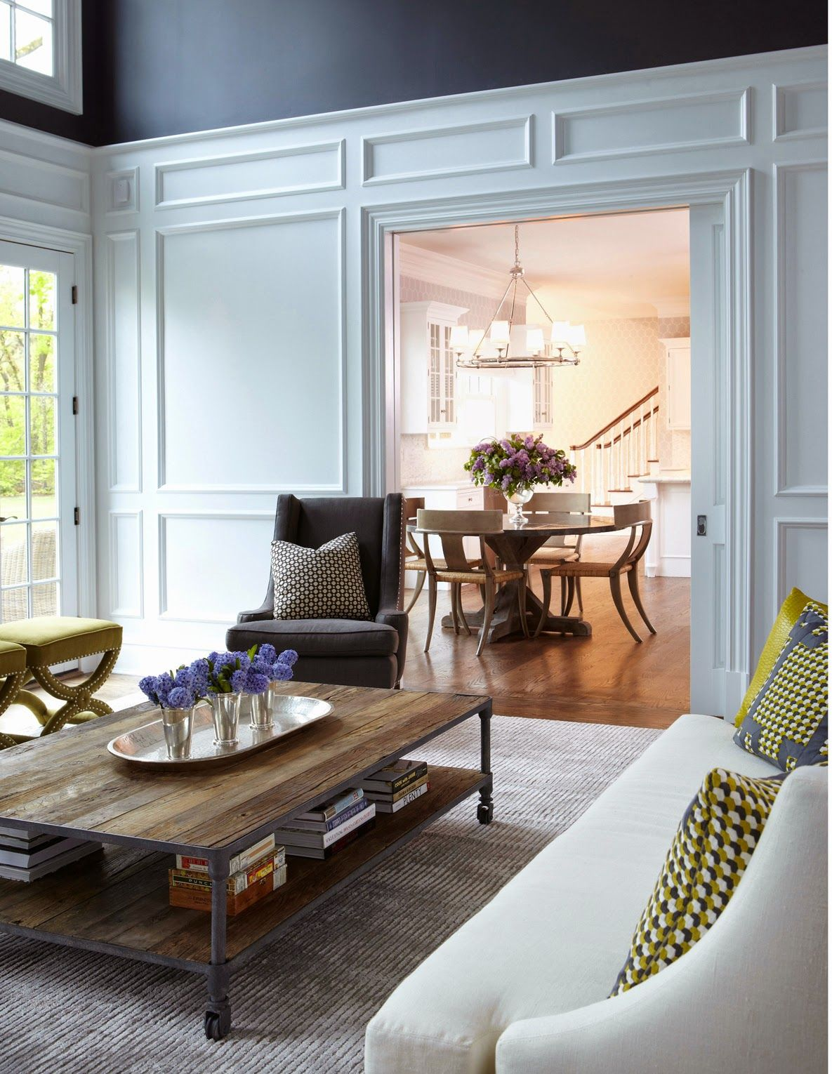 A luxe neoclassical home A luxe neoclassical