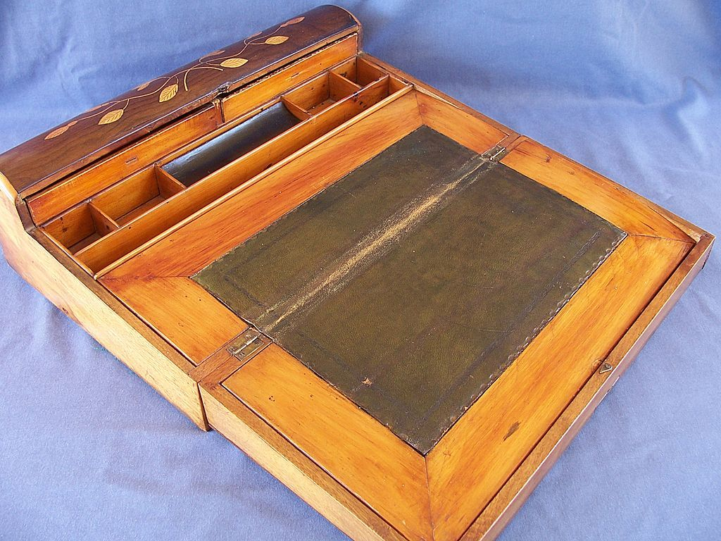Antiques Precise Vintage Wooden Writing Slope With Brass Corners And Escutcheon*