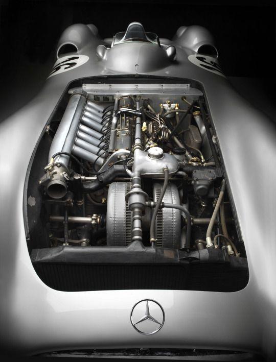 Mercedes W196 (source)   Motor