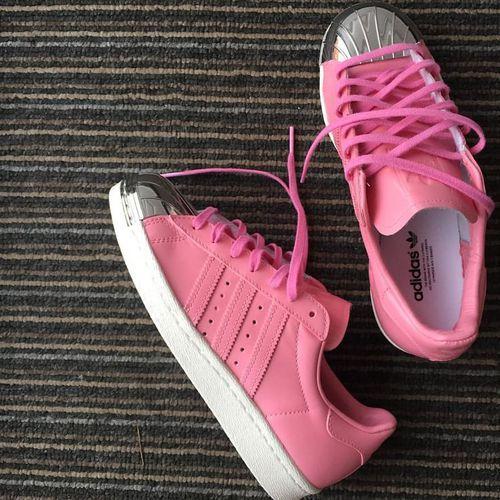 Tenis que me harían | feliz de por vida | harían Adidas rosa, Adidas y Plata 3281e0
