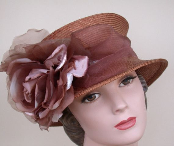 Love hats.  Wish they were in fashion in the US