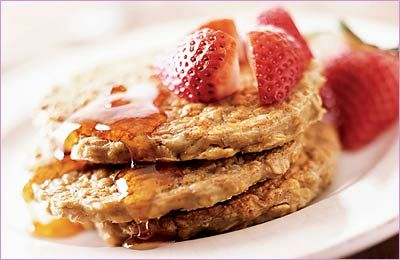 Oatmeal Protein Pancakes: 4 egg whites, 1/ cup dry oatmeal, 1 scoop whey protein powder, 1/2 banana sliced - mix, spray pan, cook, eat