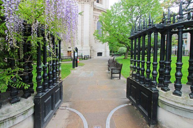 londres-jardim-saint-paul-the-one