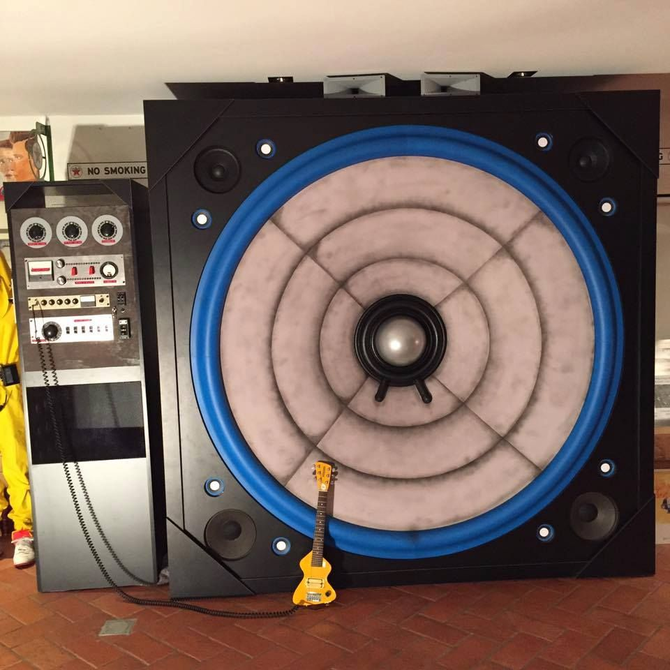 Back to the Future Mega Speaker by Mat Bedogni. Measures 10mm x