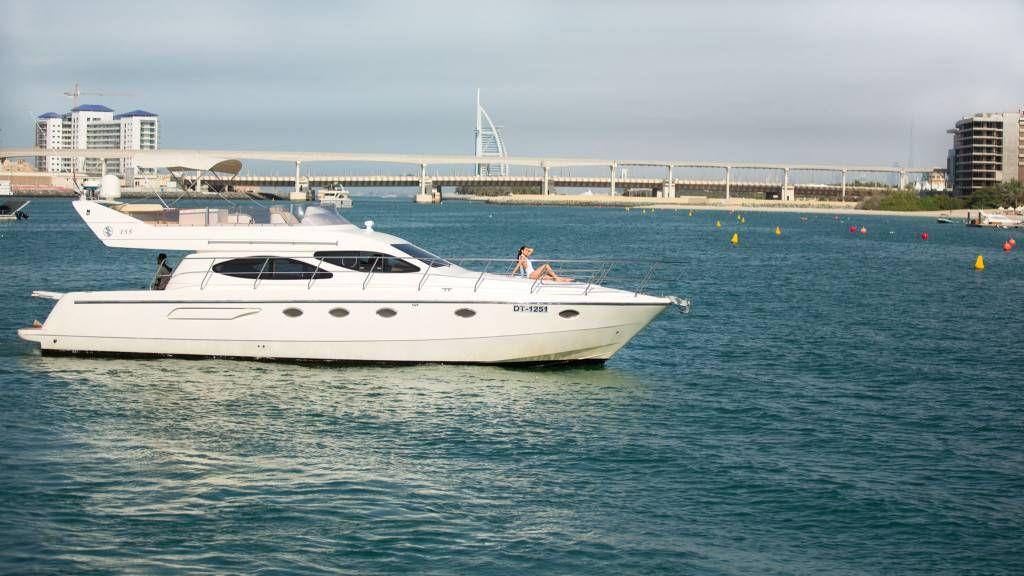 Boat hire yacht rental boat