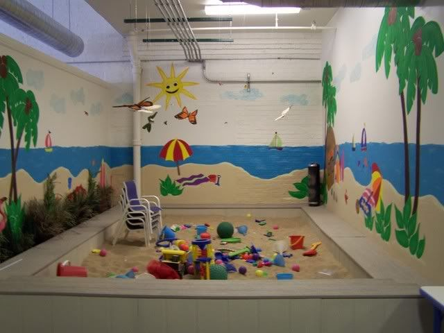 An indoor sandbox room how freaking amazing would this for Activity room decoration