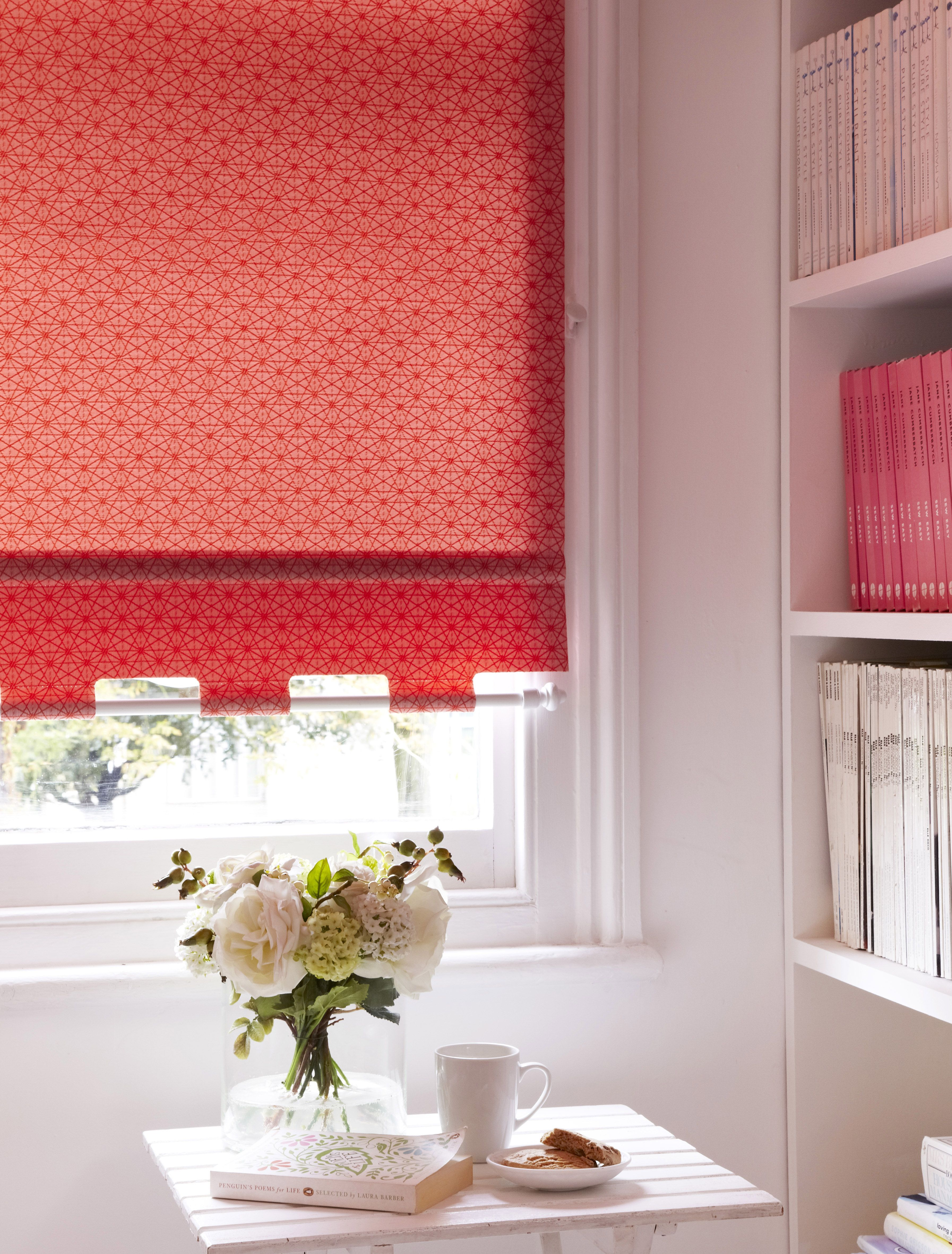 Starburst Chillie Roller Blind  Pretty Tabrod Feature At End