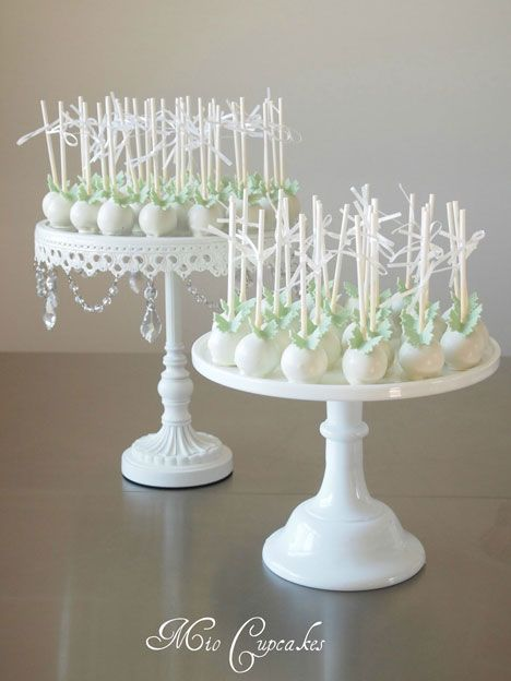 wedding cake pops trend alert cake pop wedding cakes cakes pinterest cake pop wedding. Black Bedroom Furniture Sets. Home Design Ideas