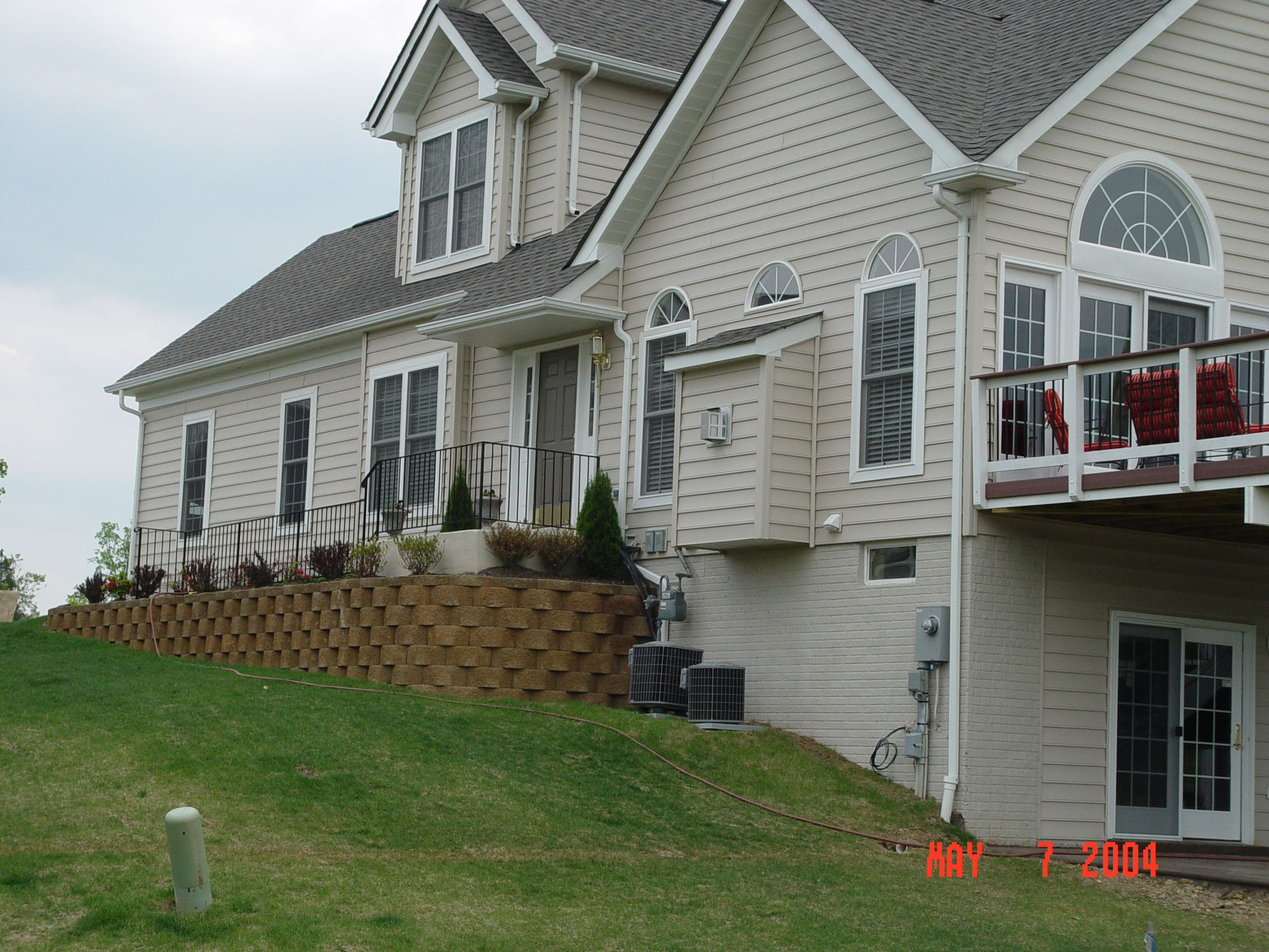 Block retaining wall. Repin if you want to improve your home's exterior | Drainage and Erosion Solutions #landscaping